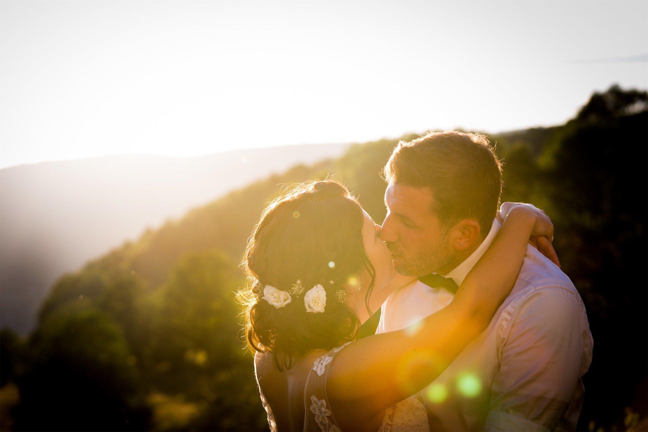 Hochzeitsfotos im Sonnenuntergang am Hofgut Hohenstein